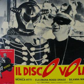 """A bordo del """"Disco volante"""". La fantascienza entomologica di Tinto Brass"""